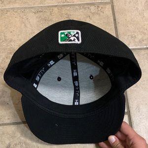 New Era Accessories - NWOT Dayton Dragons 7 1/4 fitted New Era hat